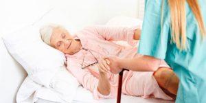 Уход за пожилыми с недержанием мочи